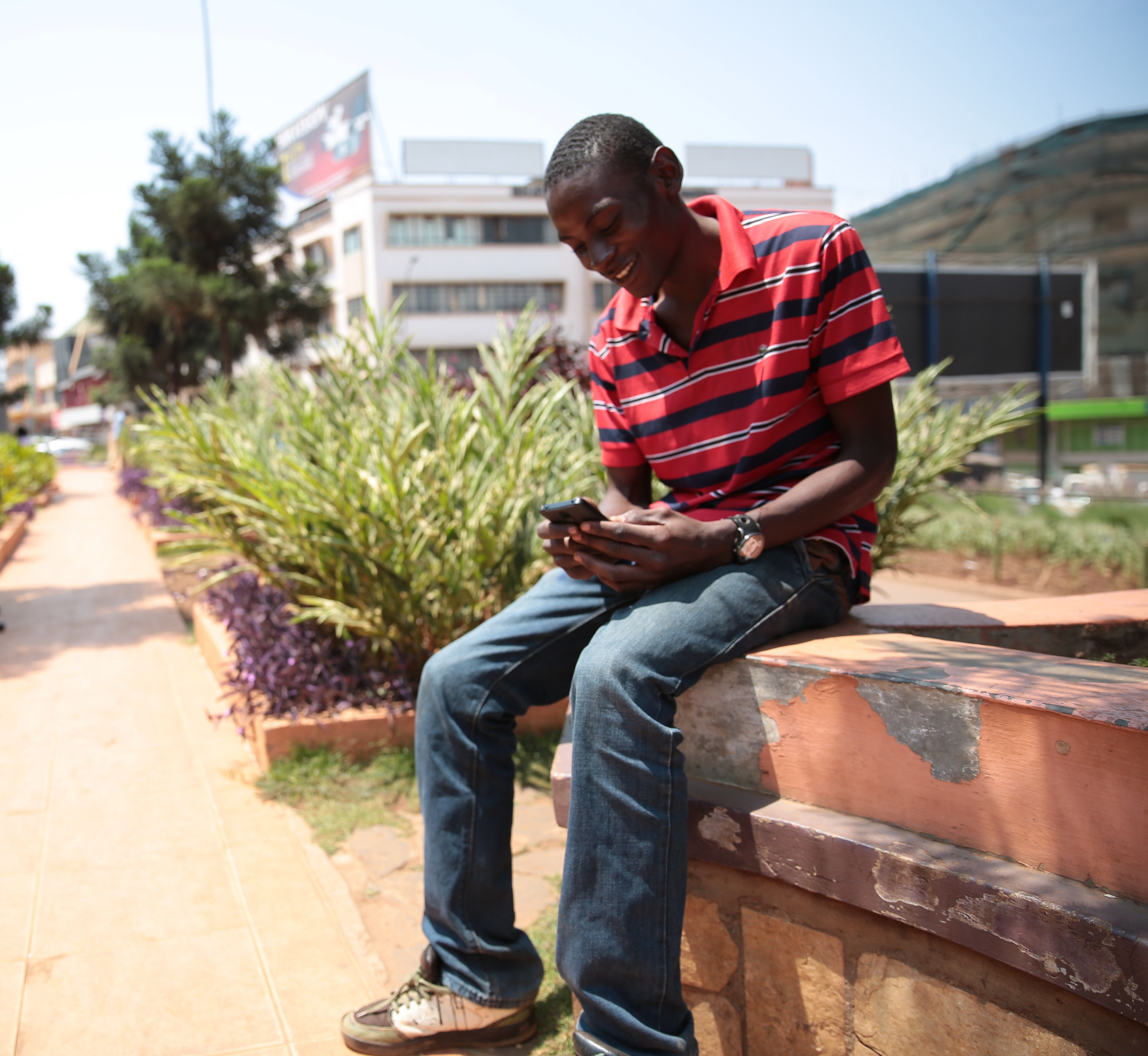 Lancez des enquêtes pertinentes via SMS